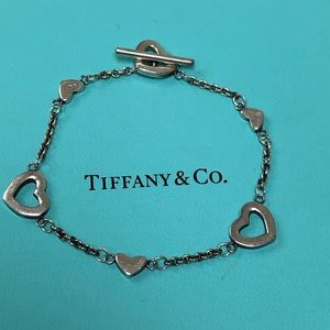 🔴Authentic TIFFANY & CO Heart Toggle Bracelet 🌺